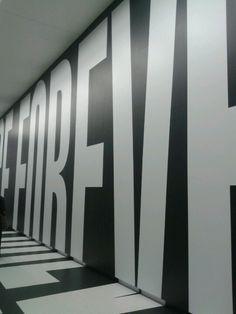 letterkunst op de muur