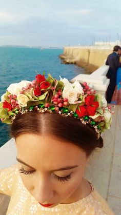 #diadema #joya con #flores naturales #hortensia y #rosas, ideal para una #novia o #invitada #perfecta