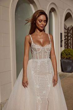 Perfect Wedding Dress, Dream Wedding Dresses, Bridal Dresses, Prom Dresses, Wedding Dress Corset, Metallic Wedding Dresses, Wedding Dress Tumblr, Detachable Wedding Dress, Bridal Corset
