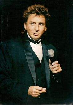 barry manilow concert photos | 1000+ ideas about Barry Manilow on Pinterest | Concerts ...