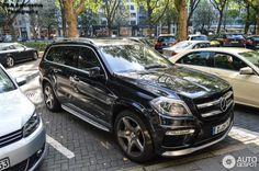 Mercedes-Benz GL 63 AMG X166 10