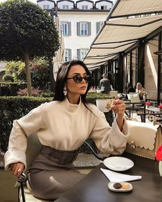May your coffe be strong and your Monday be short ☕️ Classy Outfits, Chic Outfits, Summer Outfits, Fashion Outfits, Fashion Trends, Winter Outfits, Love Fashion, Autumn Fashion, Elegant Outfit
