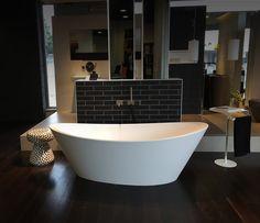 ORIGINE in all its splendour. Gagliardini Srl showroom. #bathtub #bathdesign #bathroom #interiordesign #interiors