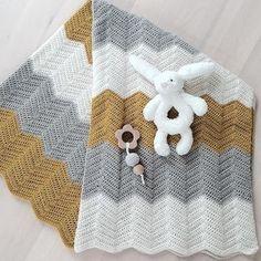 Crochet Baby Toys, Baby Afghan Crochet, Baby Afghans, Crochet Dolls, Crochet Stitches, Crochet Patterns, Knitting For Kids, Crochet For Kids, Diy Crochet