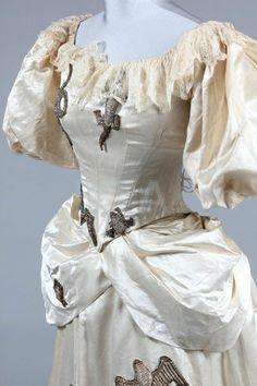 A 'White Witch' fancy dress ensemble, circa 1885, : Lot 228