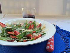 Innamorarsi in cucina: Insalata di radicchio, fragole e parmigiano