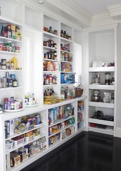 Dream pantry...if I had a pantry this large...wow.  I can't even imagine!  It'd be like winning the lottery.