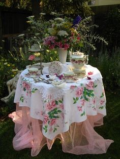 Garden tea party      source  pinterest  rita rorich