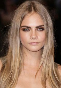 blond hair by Cara Delevigne - Hair Trends Light Blonde Balayage, Brown Blonde Hair, Light Brown Hair, Balayage Hair, Dark Hair, Dark Eyebrows Blonde Hair, Natural Ash Blonde, Blonde Honey, Gold Blonde