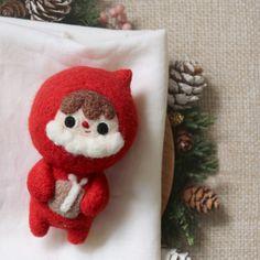 Handmade needle felted felting project cute project Christmas Santa fe | Feltify