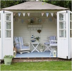 I have a shed.  I TOTALLY want to do this--coastal chic shed