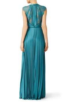 Lace Evening Gowns, Formal Evening Dresses, Formal Nursing Dress, Catherine Deane, Social Dresses, Fashion Days, Women's Fashion, Gown Pattern, Dress Images