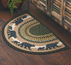 Mama Black Bear & Cub Half-Round Braided Rug Best Picture For rustic rugs For Your Tast Rustic Rugs, Rustic Decor, Farmhouse Decor, Log Cabin Living, Cottage Living, Living Room, Black Bear Cub, Black Forest Decor, Bear Decor