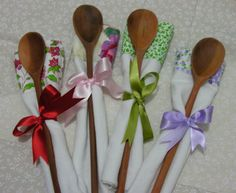 cute for a bridal shower- bouquet of utensils as favors- something useful!