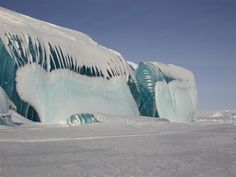 Amazing Pictures of Color Striped Icebergs in Antarctic | DailyCognition