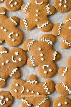 Easy Shortbread Cookies (Cookie Press) - Spend With Pennies Gingerbread House Icing, Easy Gingerbread Cookies, Gingerbread Men, Christmas Gingerbread, Best Christmas Cookies, Holiday Cookies, Christmas Desserts, Christmas Treats, Christmas Cooking