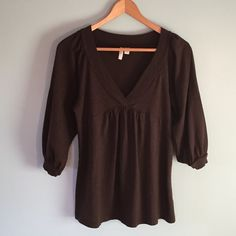 Sale Old Navy Brown Top Cute Old Navy brown top with 3/4 length sleeves! Great used condition! Old Navy Tops