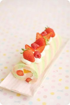 Beautiful rollcake. No recipe though unfortunately. If anyone finds a similar recipe. Please post it here.