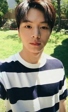 Tell me how to unlove this man. Yongin, Sungjae Btob, Minhyuk, Baby Singing, Drama School, Korean Fashion Men, My Melody, Favorite Person, Boyfriend Material