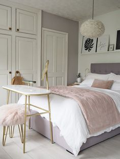 43 dusty pink bedroom walls that can be pretty and peaceful 7 – Home Dekor Dusty Pink Bedroom, Pink Bedroom Walls, Pink Bedroom Decor, Small Room Bedroom, Master Bedroom, Bed Room, Bedroom Wardrobe, White Bedroom, Pictures For Bedroom Walls