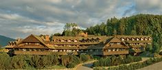 Von Trapp Family Lodge in Stowe Vermont Places To See, Places Ive Been, Play And Stay, Stowe Vermont, Vacation Spots, Dream Vacations, Vacation Ideas, Us Travel, Time Travel