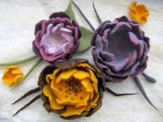 Felted brooches, floral design