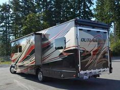 2016 Used Thor Outlaw Class C in Washington WA.Recreational Vehicle, rv, This is the machine the Toy Hauler market has been waiting for, a Super C model based on the Ford F 550 chassis and Power Stroke V8 6.7L Turbo Diesel engine with 300 horsepower and 660 lb-ft torque!! This is the go anywhere, haul anything, bring everyone in comfort and style. With the onboard 6.0 KW Onan quiet diesel generator you can lierally go anywhere and not have to rely on shore power and with the larger capacity…