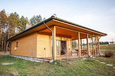Dom Kamionka I - Budowa domów szkieletowych kanadyjskich Rzeszów - Daszer #drewnianydom #domszkieletowy  #parterowy #wood Home Fashion, Tiny House, Gazebo, Shed, Outdoor Structures, Cabin, House Styles, Home Decor, Kiosk