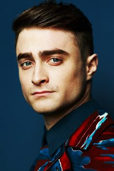 Flaunt – Daniel Radcliffe. I mean HELLLLO! He looks very dapper in this. #idholdhishand