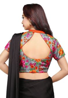 Trendy and Stylish blouse back neck designs Sarees are a go to attire for every Indian woman. We all look … Blouse Back Neck Designs, Simple Blouse Designs, Stylish Blouse Design, Fancy Blouse Designs, Kurti Neck Designs, Latest Saree Blouse Designs, Blouse Neck Patterns, Dress Patterns, Sari Bluse