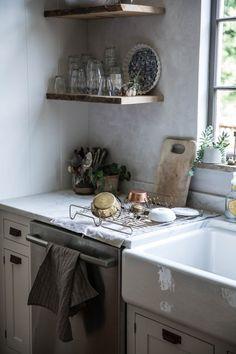 Kitchen strainer and shelves