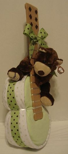 BABY SHOWER~diaper cake guitar.