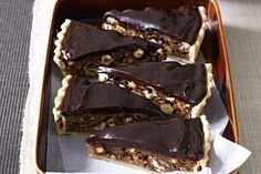Caramel nut tart - I made this to take to work for Easter. It was very decadent & rich & was a big hit! Nut Tart Recipe, Tart Recipes, Baking Recipes, Pie Dessert, Eat Dessert First, Dessert Recipes, Caramel Recipes, Chocolate Recipes, Delicious Deserts