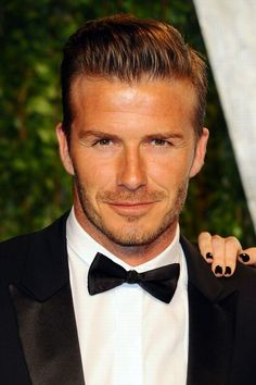 David Beckham Sun, Mercury, Ascendant in Taurus Gorgeous Men, Beautiful People, Hello Gorgeous, Bend It Like Beckham, Pin Man, Charming Man, David Beckham, Moda Online, Good Looking Men
