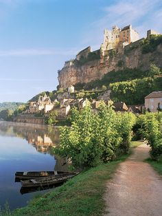 Dordogne Morning- Beynac, France