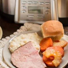 Fall is in the air! This Slow Cooker Ham and Sweet Potatoes meal will hit the spot.