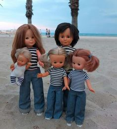 CyborgDolls: the prototype family in Benidorm (the stripes obsession Pram Toys, Nancy Doll, Barbie, Child Smile, Kool Kids, Family Portraits, Baby Dolls, Doll Clothes, Stripes
