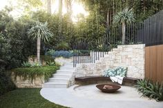 Backyard Landscaping Ideas - Bellevue Hill - Hilltop Retreat - Growing Rooms - Landscapes For Outdoor Living Patio Tropical, Tropical Landscaping, Backyard Landscaping, Landscaping Ideas, Patio Ideas, Outdoor Rooms, Outdoor Gardens, Outdoor Living, Outdoor Retreat