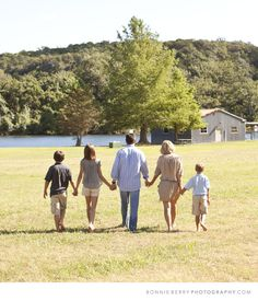 Idea for family photo in the future.  Love the color scheme.