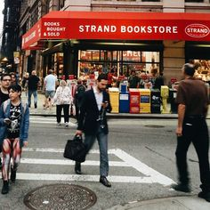 The Book Nerd's Guide to New York City by Epic Reads, a list of the best book stores in the city, such as Strand | NYC | USA