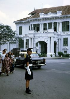 Singapore Over 50 Years Ago – 50 Color Snapshots Documented Everyday Life of the Lion City in the 1960s
