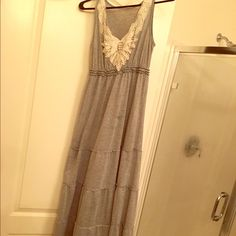 Grey tiered maxi dress with lace detail. This is a versatile dress that can be worn in winter with layers or in spring with out. Lightly used. Great condition. Ruche Dresses Maxi