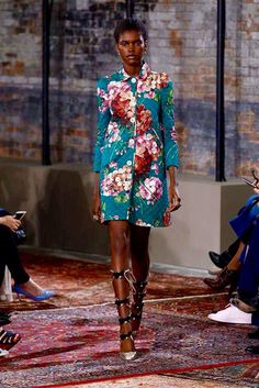 Again.. Vogue display this beautiful dress by having flowers motifs on it, preparing pre-autumn 2016?? Why not, eh?