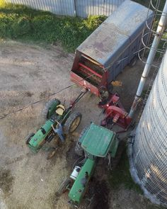 We are working on filling our 3rd of 3 corn silage silos. #farm365 #agmorethanever #farmlife #agproud #cdnag #ontag #farmvoices #tractor #johndeere #silo