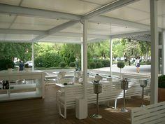 Ideas de #Restaurante, Terraza, estilo #Contemporaneo color  #Marron,  #Blanco,  #Gris, diseñado por Deco interiorismo  #CajonDeIdeas