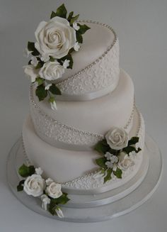 Found my grandmas 60th wedding anniversary cake but will have red roses...her favorite