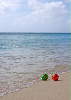 You love the beach. So how about sending out your seasonal wishes with a Christmas beach photo card? These crazy cute Christmas photos taken on the beach are inspiring and . Read moreChristmas on the Beach – 28 Crazy Cute Christmas Photo Card Ideas