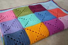 mareelovescolour: The Big Elmer Blanket Ta-dah! Pictures only.