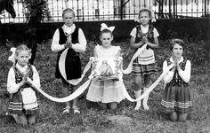 Znalezione obrazy dla zapytania szkoła latowicz zdjęcia lata 60
