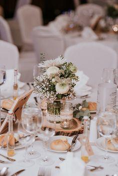 Soft and elegant baby's breath wedding centrepieces Lavender Grey Wedding, Event Corporate, Wedding Venues, Wedding Day, 50th Wedding Anniversary, Gray Weddings, Wedding Centerpieces, Centrepieces, Flower Delivery